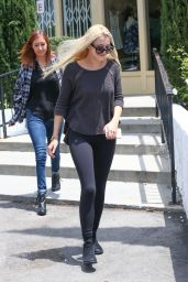 Ava Sambora at a NailSspa in Calabasas, May 2015