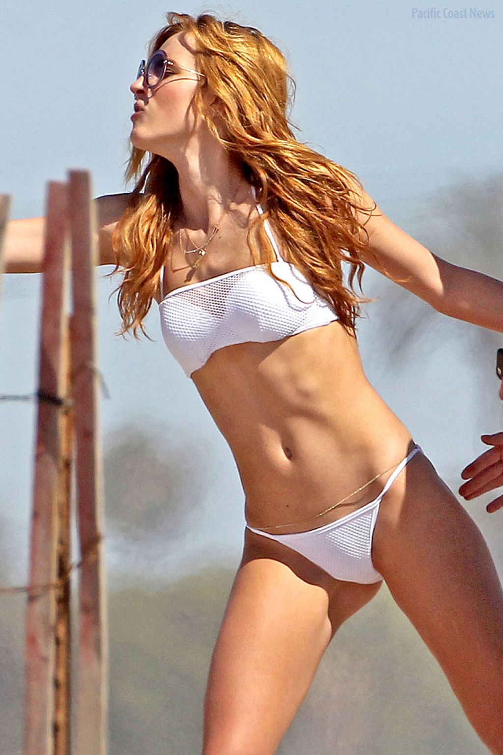 Bella thorne camel toe