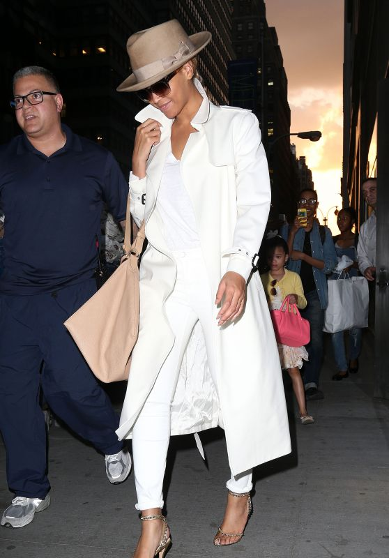 Beyoncé - Out in New York City, May 2015