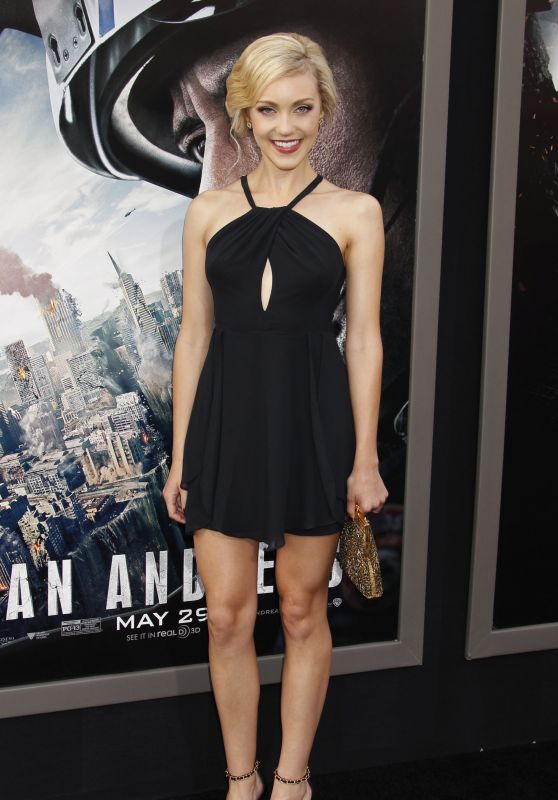 Breanne Hill - San Andreas Premiere at the TCL Chinese Theatre in Hollywood