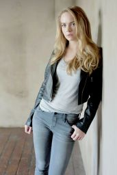 Britt Robertson Photoshoot - May 2015