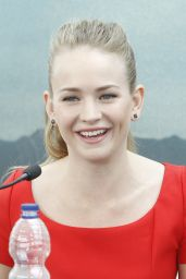 Britt Robertson - Tomorrowland Photocall in Valencia