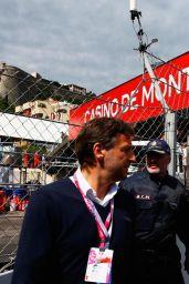 Cara Delevingne at the McLaren Honda Garage in the Pitlane Before the Monaco Formula One Grand Prix at Circuit de Monaco, May 2015