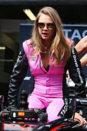 Cara Delevingne at the McLaren Honda Garage in the Pitlane Before the Monaco Formula One Grand Prix at Circuit de Monaco, May 2015