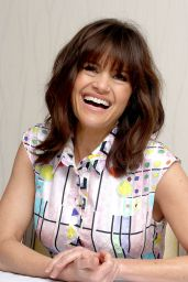 Carla Gugino - San Andreas Movie Press Conference & Portraits in Los Angeles