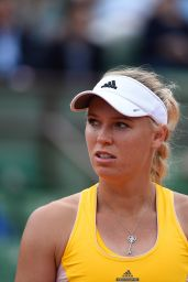 Caroline Wozniacki – 2015 French Tennis Open at Roland Garros in Paris – 2nd Round