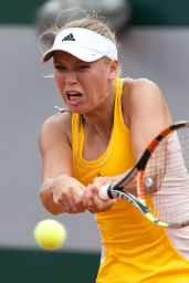 Caroline Wozniacki – 2015 French Tennis Open at Roland Garros in Paris – 2nd Round