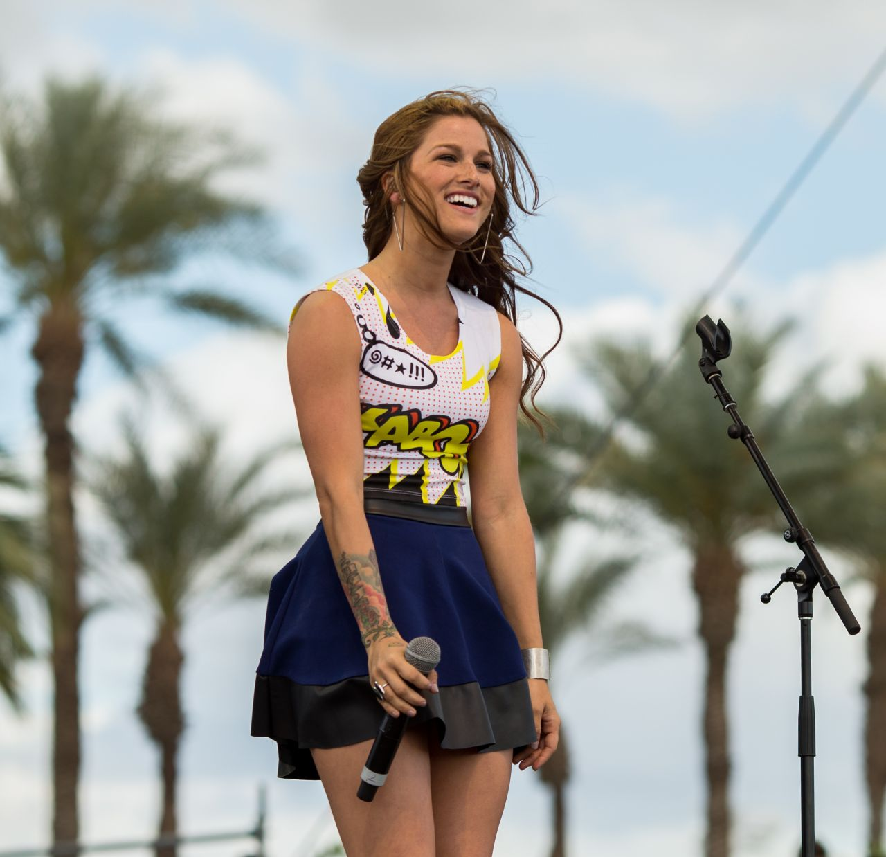 Cassadee Pope Performing At The 2015 Stagecoach California S Country Music Festival In Indio