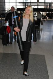 Claire Danes at LAX Airport, May 2015