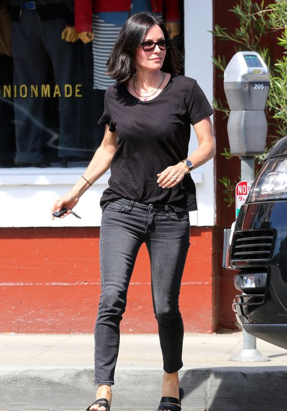 Courteney Cox - Leaving Brentwood Country Market, April 2015