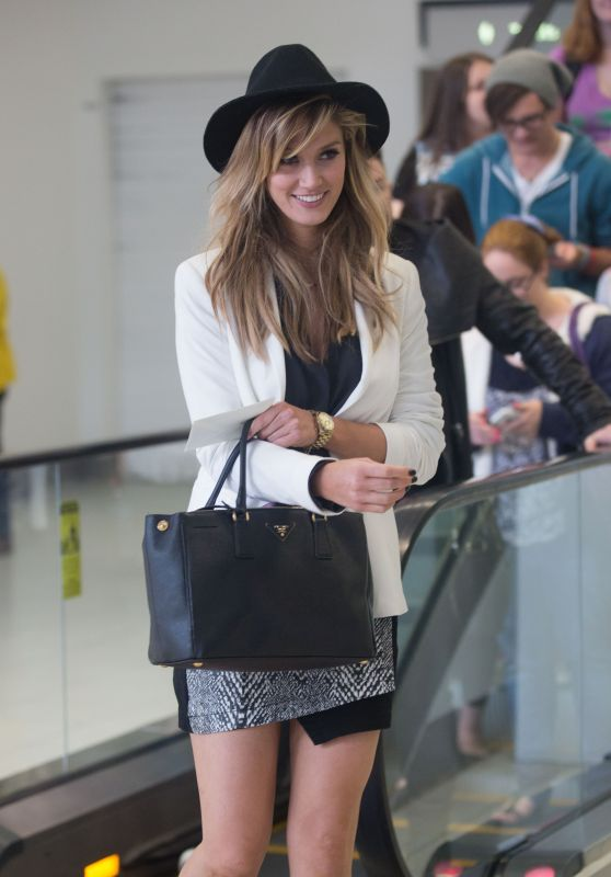 Delta Goodrem - Arriving in Adelaide, Australia, May 2015