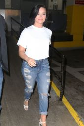 Demi Lovato in Ripped Jeans - SiriusXM Studios in New York CIty, May 2015