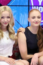 Les liens de Gwen Dawson Dove-cameron-hailee-steinfeld-sophie-turner-young-hollywood-studios-in-los-angeles-may-2015_2_thumbnail