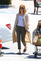 Emma Stone Grocery Shopping at Ralph