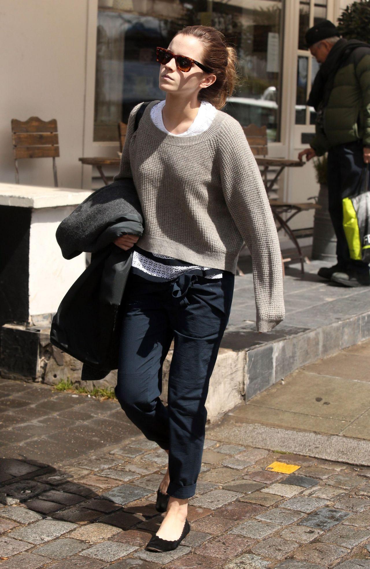 Emma Watson Casual Sty...