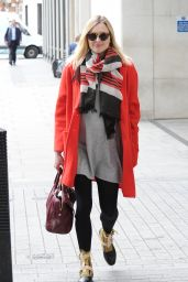 Fearne Cotton Street Style - Arriving at BBC Radio 1 in London, May 2015