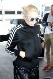 Gwen Stefani at LAX Airport, April 2015
