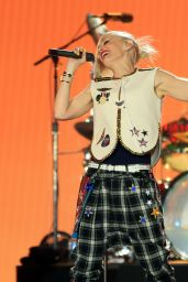 Gwen Stefani Performs on the Opening Day of the 4-Day Rock in Rio USA 2015 Music Concerts in Las Vegas
