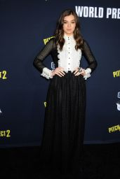 Hailee Steinfeld – Pitch Perfect 2 Premiere in Los Angeles