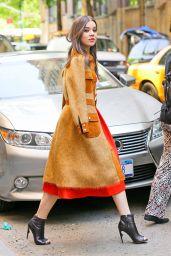Hailee Steinfeld Style - Leaving