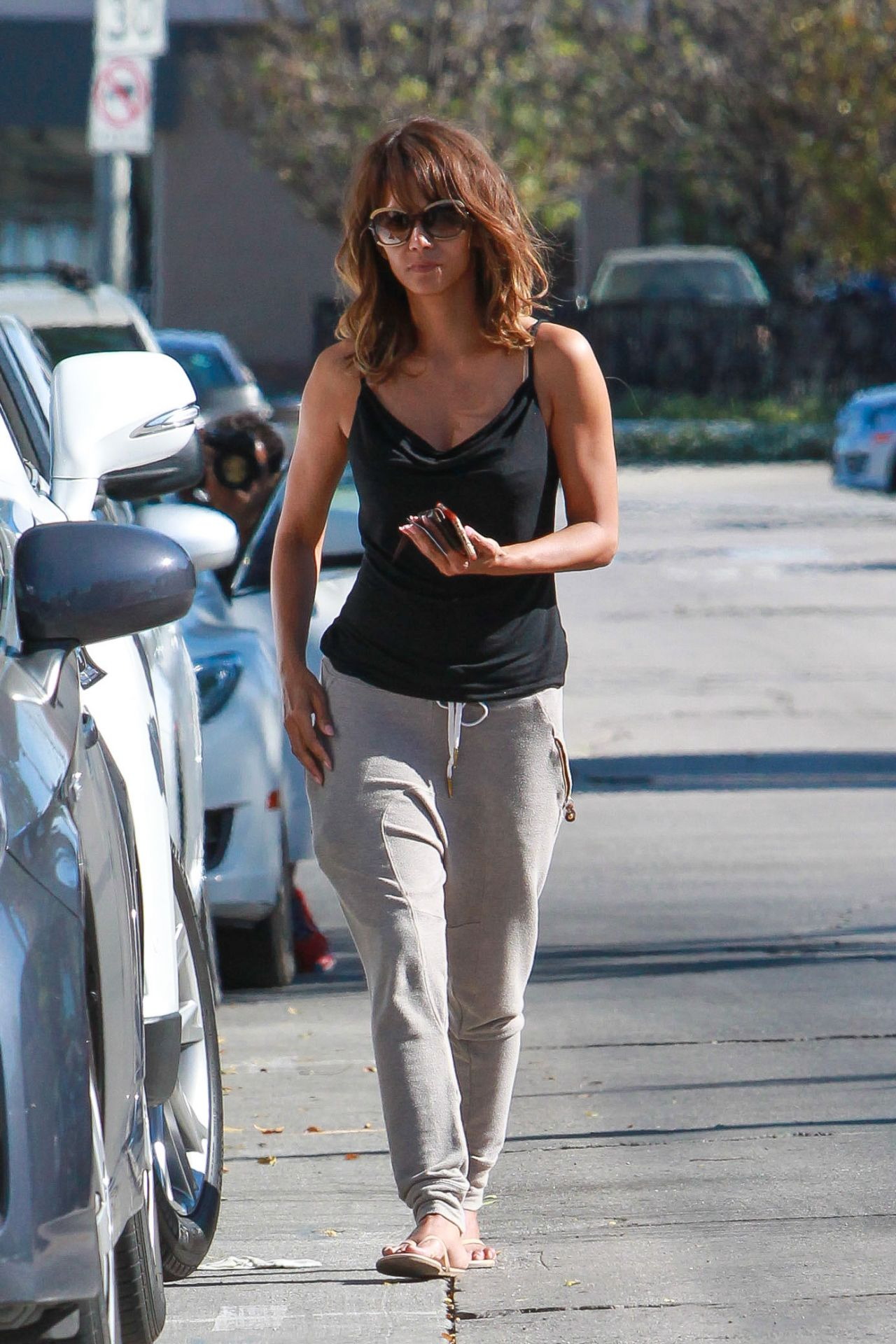 Halle Berry – Arrives at Kinara Skin Care Clinic & Spa in West ...