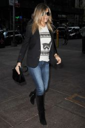 Jennifer Aniston in Jeans Out in New York City, April 2015