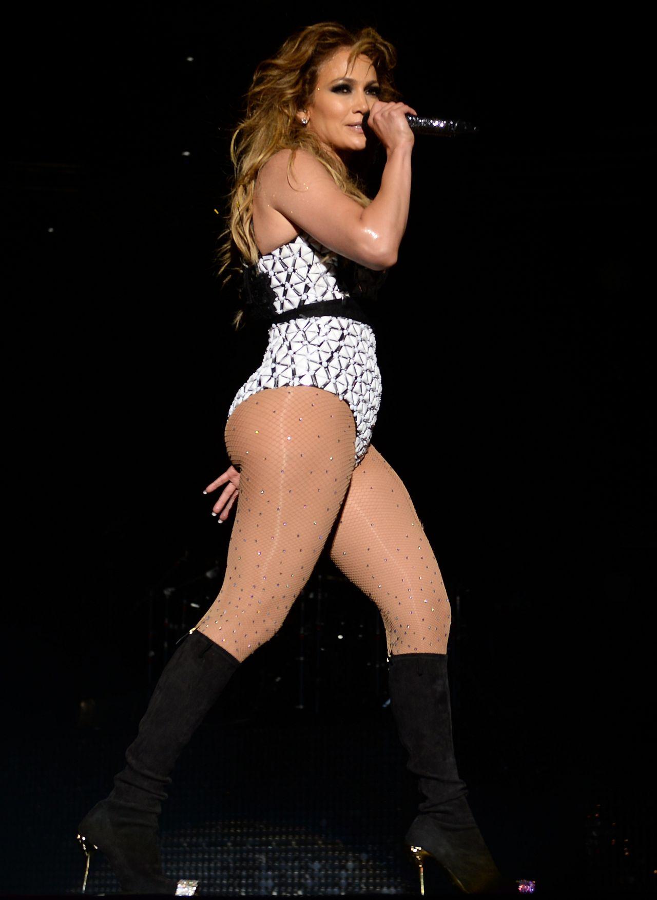 Jennifer Lopez 2015 Mawazine International Music