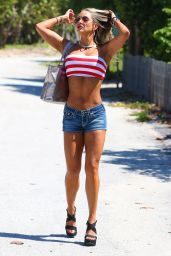 Jennifer Nicole Lee Hot in Jeans Shorts - Miami, May 2015
