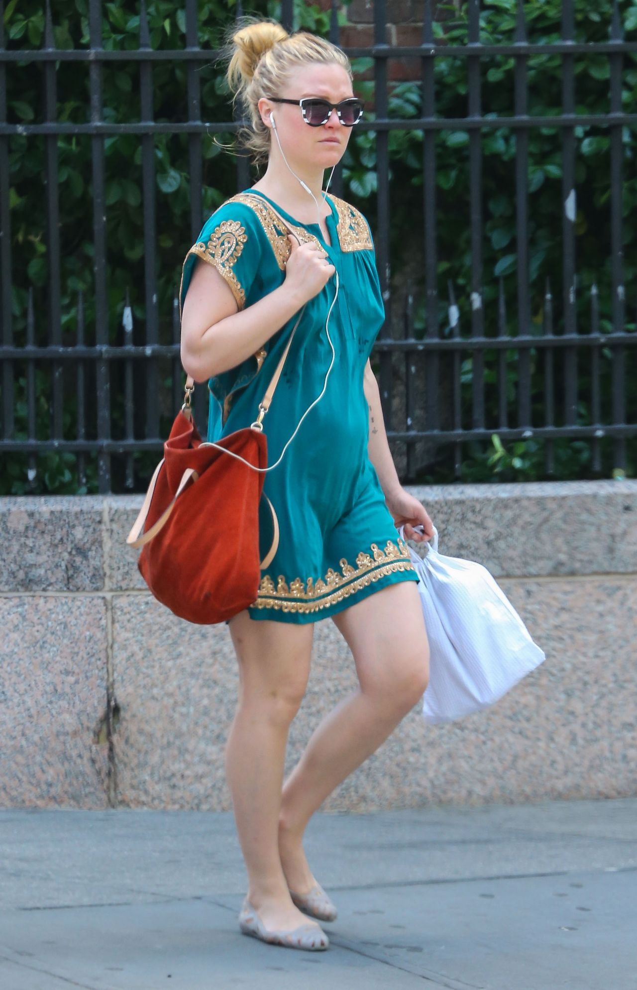 Paparazzi Julia Stiles nudes (45 foto and video), Topless, Fappening, Feet, braless 2015