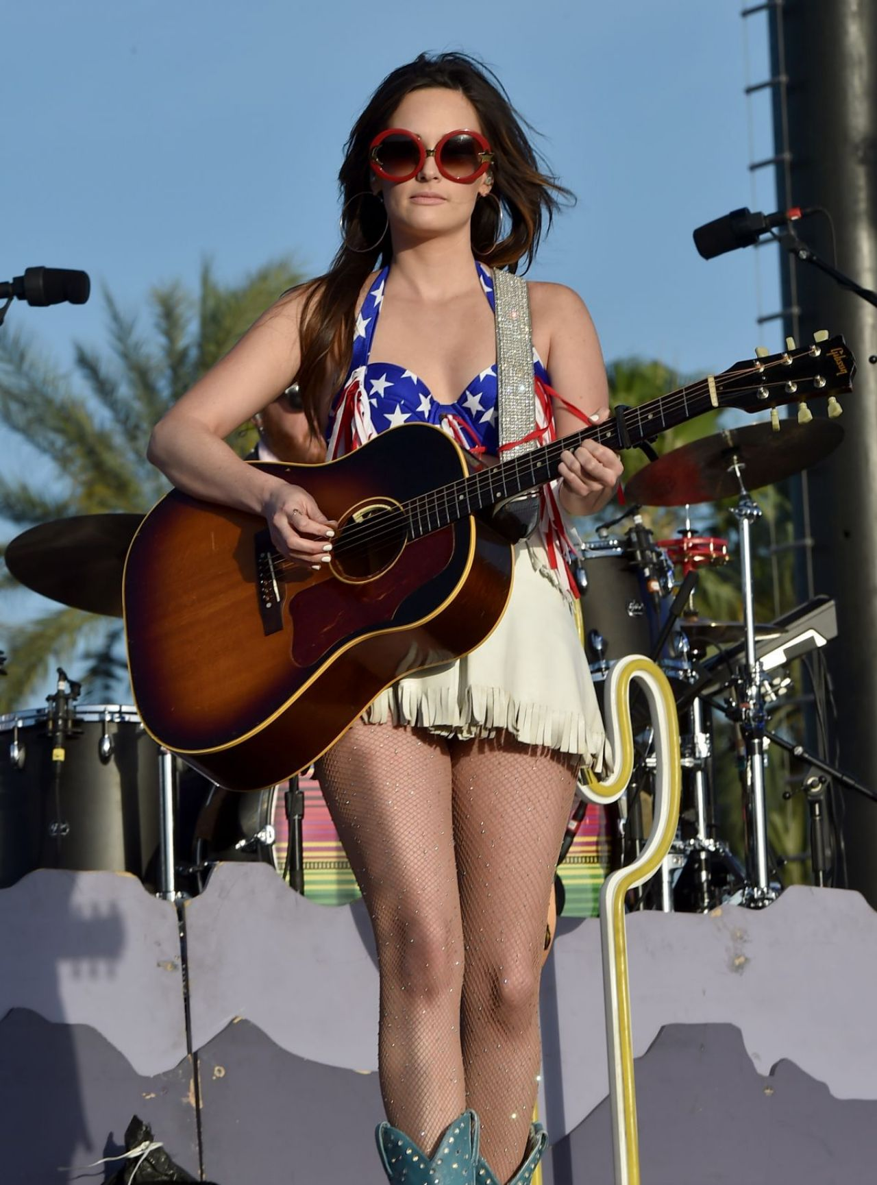 Kacey Musgraves Performs at 2015 Stagecoach California's ... Taylor Momsen