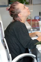 Kaley Cuoco at a Nail Salon in Studio City, May 2015