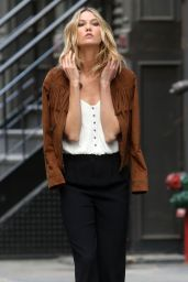 Karlie Kloss Photoshoot, New York City, May 2015
