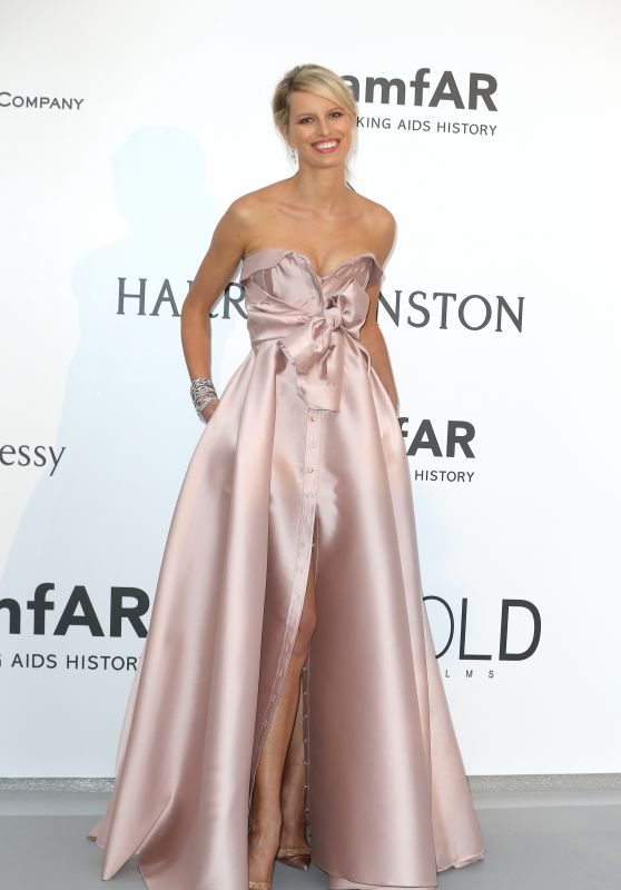 Karolina Kurkova – 2015 amfAR Cinema Against AIDS Gala in Antibes (France)