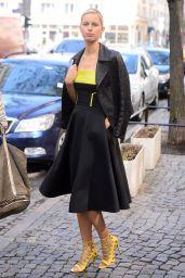 Karolina Kurkova Style - Leaving