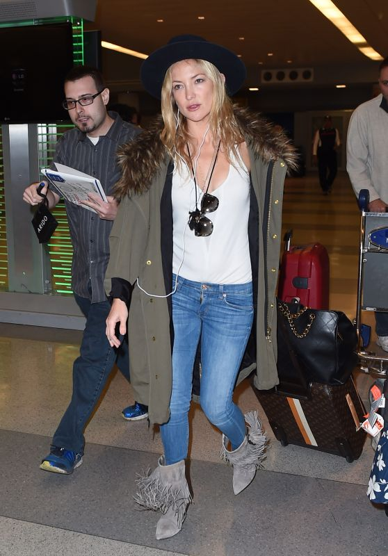 Kate Hudson at JFK Airport, May 2015