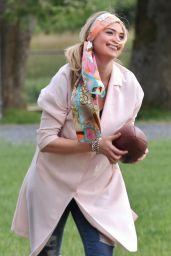 Kate Upton - On Set of