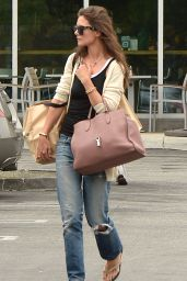 Katie Holmes Leaving Whole Foods in Santa Monica, MAy 2015
