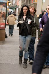 Krysten Ritter - On set of