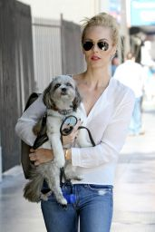 Laura Vandervoort Street Style - Out in Los Angeles, May 2015