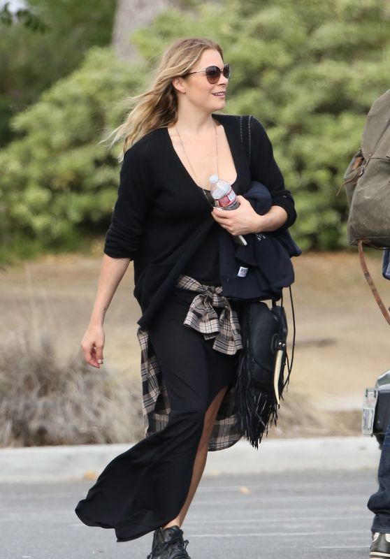 LeAnn Rimes - Out in Calabasas, May 2015