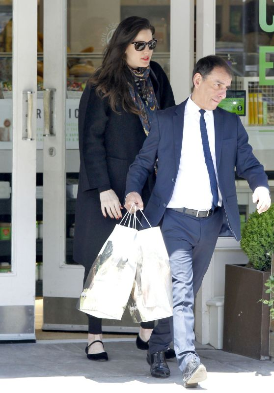 Liv Tyler - Shopping in London, April 2015