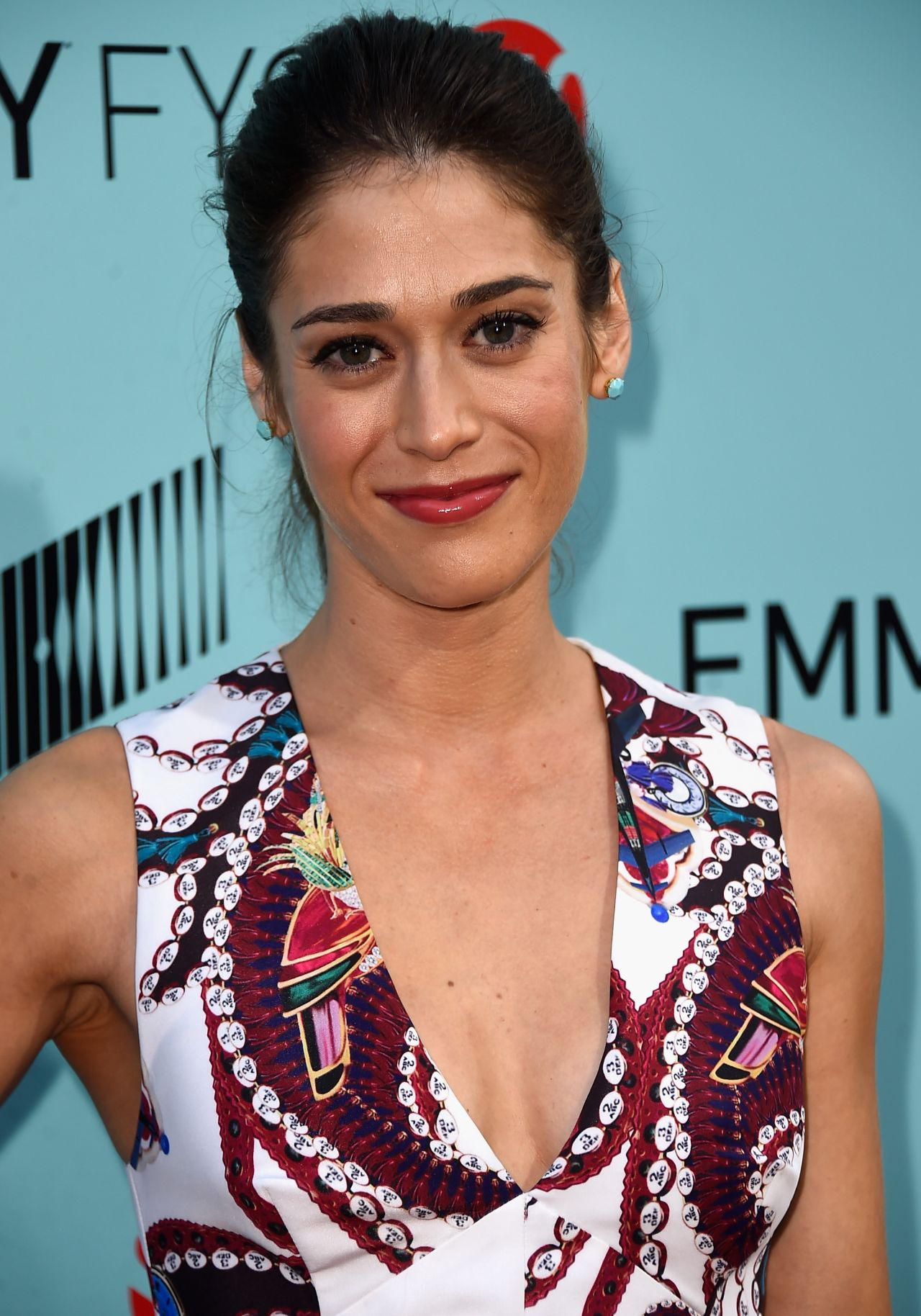acclaimed actress lizzy caplan - HD 2280×3256