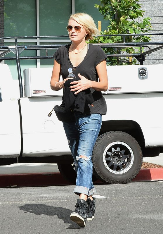 Malin Akerman - Out in Glendale, May 2015