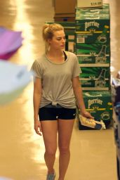 Margot Robbie Shopping at Whole Foods in Toronto, May 2015