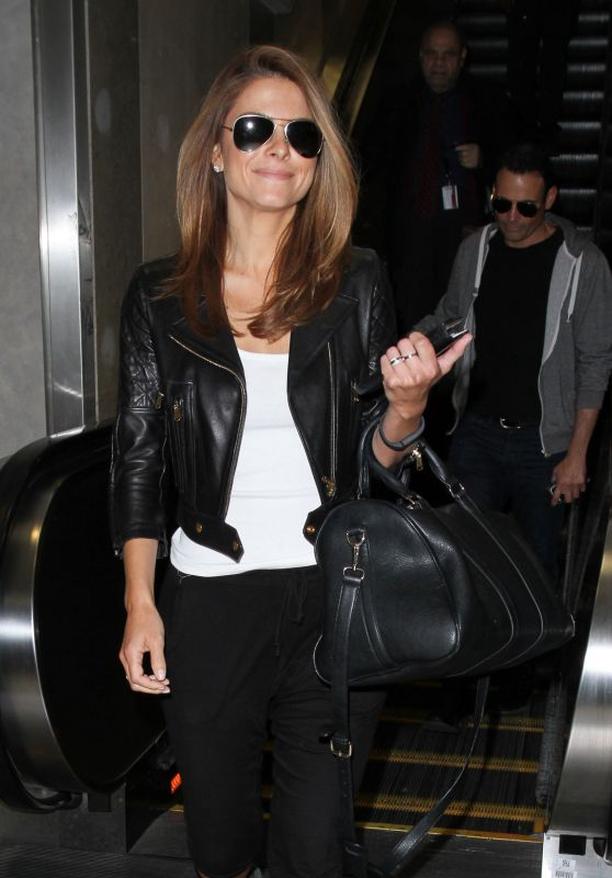 Maria Menounos at LAX Airport, May 2015