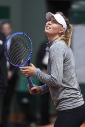Maria Sharapova - 2015 French Open - Practice Day at Roland Garros