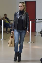 Michelle Hunziker - Catches a Flight From Berlin Tegel to Milan, May 2015