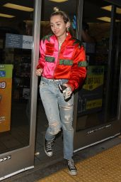 Miley Cyrus - Stopping by a Gas Station in Los Angeles, May 2015