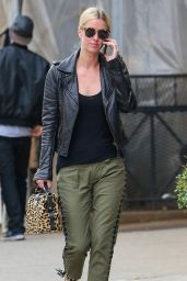 Nicky Hilton Casual Stule - Spotted out for a stroll in New York, April 2015