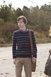 Nicola Peltz - Bates Motel Season 1 Episode Pics